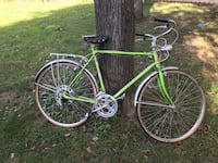 green and black road bike Chantilly, 20151