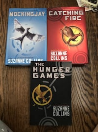 two The Hunger Games by Suzanne Collins books 537 km