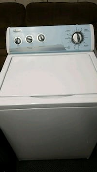 white Whirlpool top-load clothes washer Wyandotte, 48192