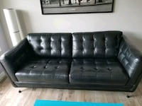 Leather couch Edmonton, T5T 5X9