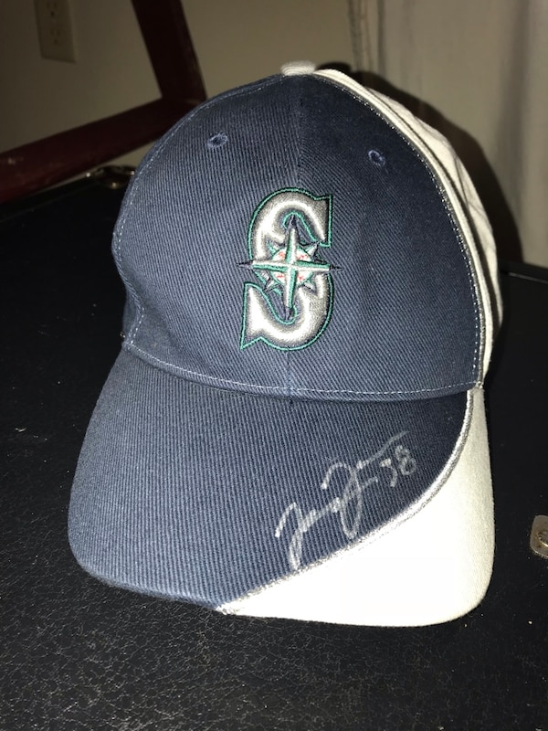 4b107eb50bf Used Mariners dad hat autographed for sale in Everett - letgo