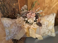 beige and white floral pillow Ocala, 34479