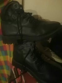 pair of black work boots San Angelo, 76904