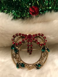 Gorgeous! Gold Wreath Pin with Crystal Stones Gainesville, 20155