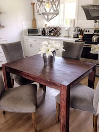 GORGEOUS STRUCTUBE DINING TABLE (chairs not included) Caledon, L7K 0K5