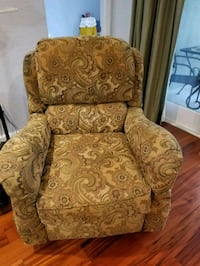Reclining chair from havertys Windermere, 34786