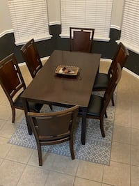 Great condition dining room set