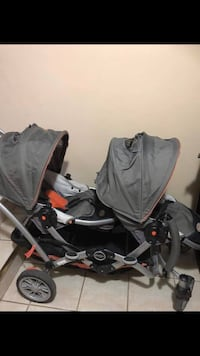 baby's black and gray travel system Kitchener, N2E 2T8