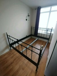 Bed frame, queen size Toronto, M2J