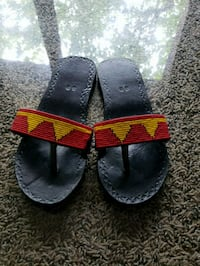 pair of black-and-red sandals Frederick, 21703