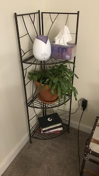 Plant stand  Fayetteville, 13066