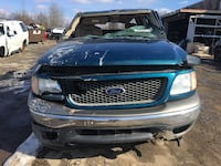 Parting out 2001 Ford F-150 4x4