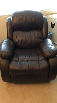 Leather Recliner Falls Church, 22043