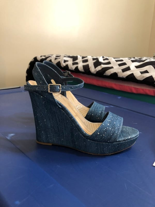 Size 8M wedges 1