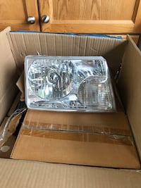 Ford ranger head lights and side light. 4 pieces Brampton, L6X 4M7