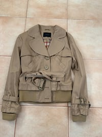 Vera Modo Trench Jacket Size Medium  Toronto, M4J 4H7