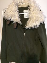 black and white aeropostale zip up parka coat Ingersoll, N5C 3L5