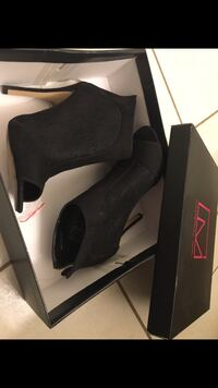 Women's heel peep toe. Not worn at all. It was a gift. Size issue. Ajax, L1Z 0G6