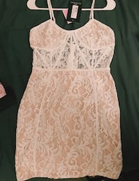 White laced dress PRETTYLITTLETHING Oxnard, 93033