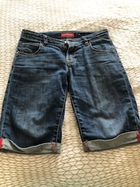 Guess jeans shorts size 8 Montreal, H1J 1G2