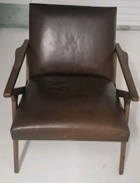 Awesome crate and barrel leather chair Waldorf