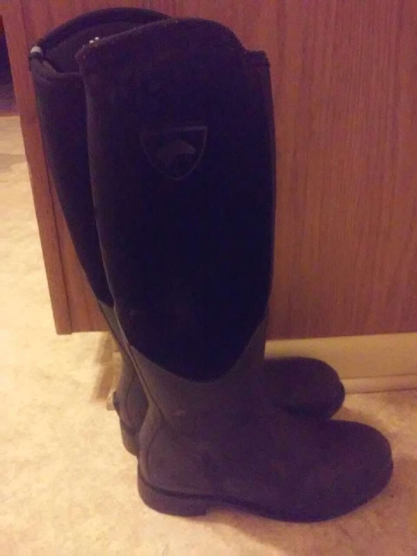clearance prices low priced the sale of shoes Used Brit Rider Muck Boots