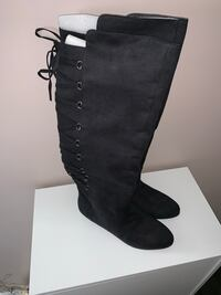 Ladies Knee-High Black Suede Boots Pickering, L1V 7H5