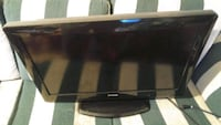 "32"" Polaroid flat screen with built in dvd player London, N6B 0A1"