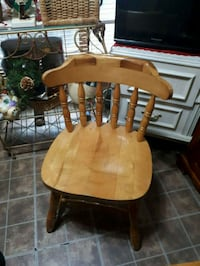Solid oak chair Toronto, M1T 2J7