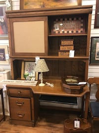 Desk with 2 drawers and hutch top MUST GO Salem, 03079
