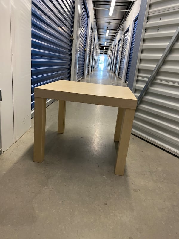 Coffee Table and Bedside Table 47c37b0d-c2ab-42e5-afba-1e16953a9314