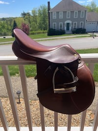 16.5 HDR Saddle. Hardly used, excellent condition   Rutland