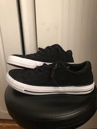 Women's leather Converse size 9 St Catharines, L2N 3K8