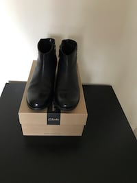 Woman's boot Clarks Size 8 Vienna, 22180