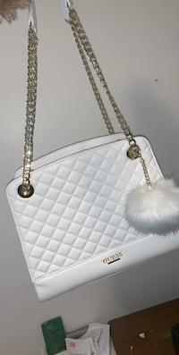 BRAND NEW GUESS PURSE NEVER USED