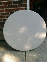 Round plastic patio tables Toronto, M2N 4A4