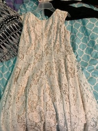 Cute white lacy dress Orland Park, 60462