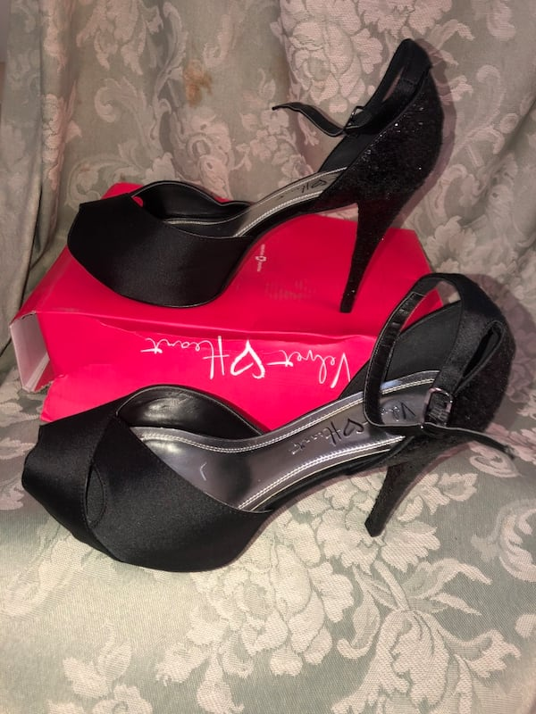 Ladies size 9 black heels (new in box)$25 or best offer fd7ba5ae-e751-4325-a0db-35fdad928bc9