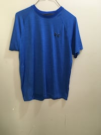 Men's medium loose under armour shirt Edmonton, T5E 2T3