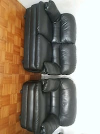 black leather 3-seat recliner sofa Toronto, M9N 1M6
