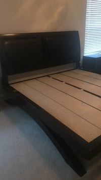 King or queen Wood bed frame w/2 dressers obo Cypress, 77429