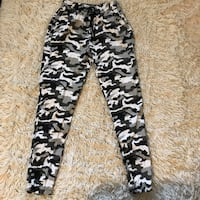 Large Children/petite Grey Camo Pants with Elastic Waist Band Santa Rosa, 95403