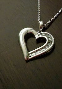 Sterling silver heart pendant necklace 393 mi