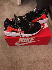 Brand new Nike huaraches  Silver Spring, 20902
