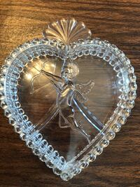 """Vintage 9"""" lidded heart shaped pressed glass candy dish/jewelry box  Brentwood, 37027"""