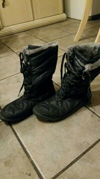 pair of black leather boots Windsor, N8Y 3S1