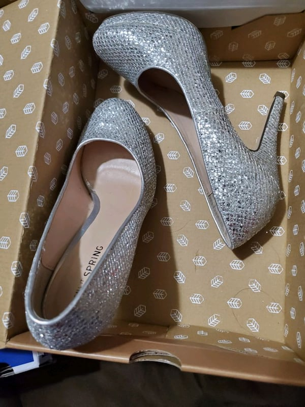 Size 7.5  all 3 pairs heels   All brand new in the Box 89aab61d-9a36-4220-91f9-8fa33e86a025