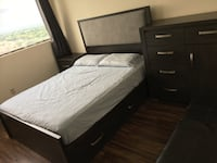 Beautiful wood bedroom set from the brick Mississauga, L5K