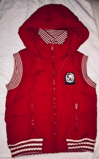 SNOOPY QUILTED VEST Vancouver, V6B 3M3