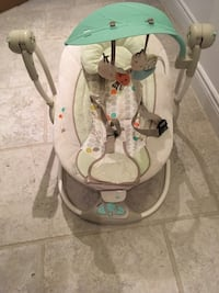 Baby swing seat Vaughan, L4H 3A1